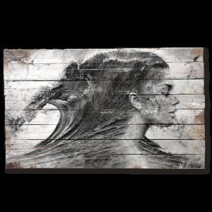 tableau-bois-palette-portrait-femme-mer-vague
